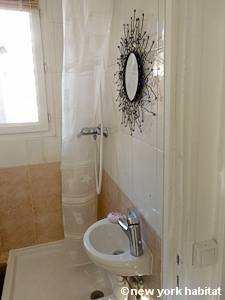 Paris Studio T1 appartement location vacances - salle de bain (PA-2516) photo 1 sur 2