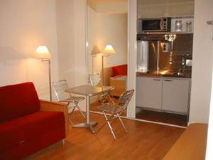 Paris Studio T1 logement location appartement - séjour (PA-2703) photo 1 sur 2