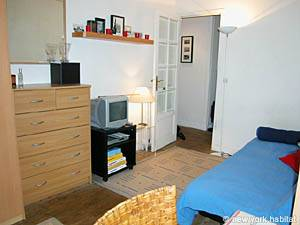 Paris Studio T1 logement location appartement - séjour (PA-2810) photo 2 sur 6