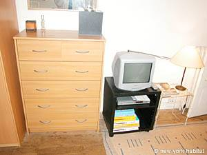 Paris Studio T1 logement location appartement - séjour (PA-2810) photo 3 sur 6