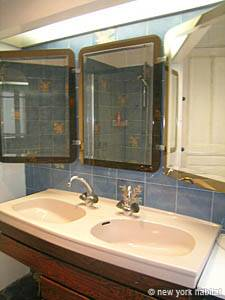 Paris 2 Bedroom accommodation - bathroom (PA-2843) photo 1 of 5