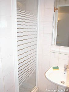 Paris Studio apartment - bathroom (PA-2889) photo 2 of 3