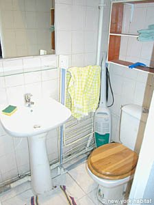 Paris Studio apartment - bathroom (PA-2889) photo 3 of 3