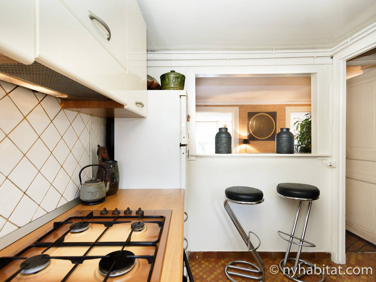 Paris 2 Bedroom accommodation - kitchen (PA-2961) photo 2 of 2