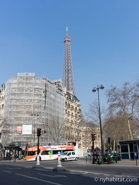 logement paris location meubl e t2 champ de mars eiffel tower gare montparnasse. Black Bedroom Furniture Sets. Home Design Ideas