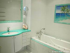 Paris 2 Bedroom accommodation - bathroom 1 (PA-3007) photo 1 of 2
