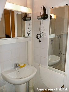 Paris Studio apartment - bathroom (PA-3012) photo 1 of 2