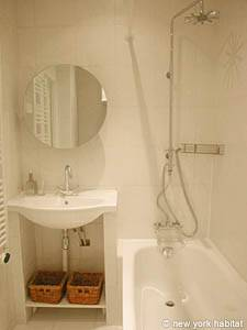 Paris Studio apartment - bathroom (PA-3038) photo 1 of 3