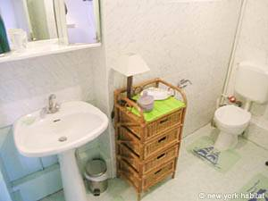 Paris 1 Bedroom accommodation - bathroom (PA-3055) photo 1 of 3