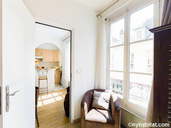 Paris T2 appartement location vacances - chambre (PA-3078) photo 3 sur 3