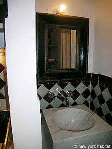 Paris 2 Bedroom - Duplex apartment - bathroom (PA-3118) photo 3 of 3