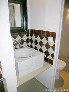 Paris 2 Bedroom - Duplex apartment - bathroom (PA-3118) photo 1 of 3