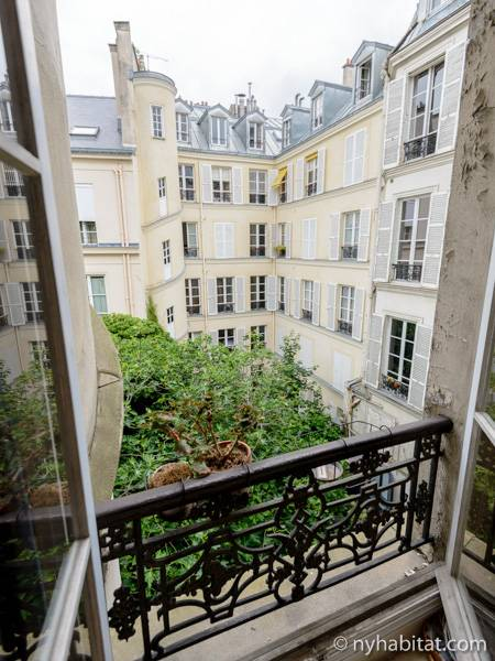Logement paris location meubl e t2 saint germain des for Carrelage du sud boulevard saint germain