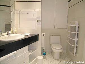 Paris 1 Bedroom apartment - bathroom (PA-3170) photo 1 of 3