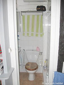 Paris Studio T1 logement location appartement - salle de bain (PA-3257) photo 1 sur 5