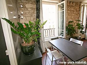 Paris 2 Bedroom apartment - living room (PA-3293) photo 1 of 12
