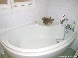 Paris 2 Bedroom accommodation - bathroom 1 (PA-3348) photo 5 of 6