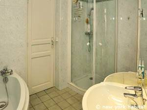Paris 2 Bedroom accommodation - bathroom 1 (PA-3348) photo 2 of 6