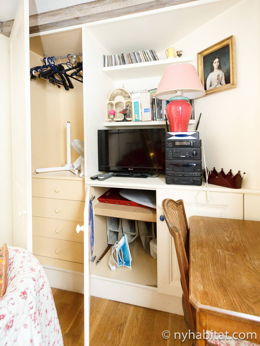 Paris accommodation alcove studio duplex townhouse for Alcove studio
