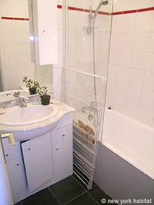 Paris Studio T1 logement location appartement - salle de bain 1 (PA-3555) photo 1 sur 2