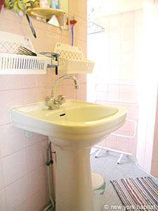 Paris Studio apartment - bathroom (PA-3642) photo 1 of 6