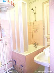 Paris Studio apartment - bathroom (PA-3642) photo 3 of 6