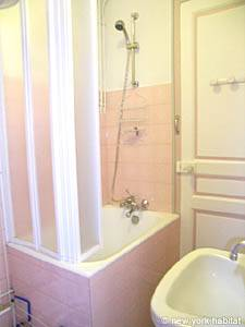 Paris Studio apartment - bathroom (PA-3642) photo 4 of 6
