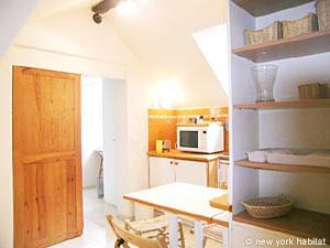 Paris Studio accommodation - kitchen (PA-3664) photo 3 of 4