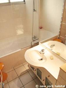 Paris 1 Bedroom apartment - bathroom 1 (PA-3767) photo 1 of 4
