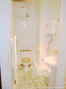 Paris Studio accommodation - bathroom (PA-3805) photo 1 of 4