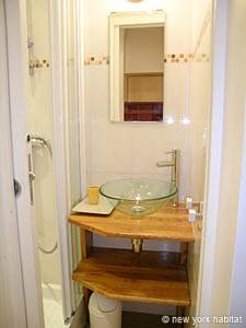 Paris Studio apartment - bathroom 1 (PA-3809) photo 1 of 2