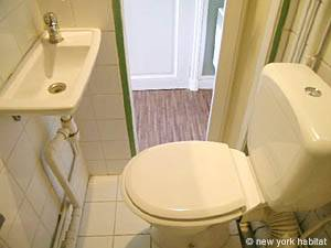Paris Studio apartment - bathroom (PA-3812) photo 3 of 3