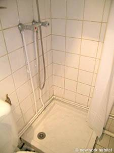 Paris Studio apartment - bathroom (PA-3812) photo 2 of 3