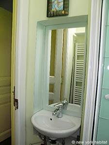Paris Studio apartment - bathroom (PA-3823) photo 2 of 4