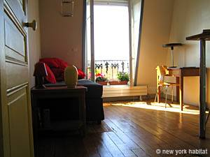 Paris Studio apartment - living room (PA-3823) photo 1 of 10