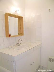 Paris 1 Bedroom accommodation - bathroom 1 (PA-4034) photo 2 of 3