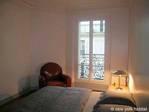 Paris 1 Bedroom accommodation - bedroom (PA-4044) photo 1 of 4