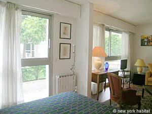 Paris Studio apartment - living room (PA-4079) photo 9 of 10
