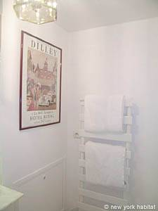 Paris Studio apartment - bathroom 1 (PA-4079) photo 4 of 4