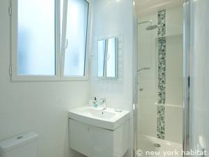 Paris 1 Bedroom accommodation - bathroom (PA-4163) photo 1 of 2