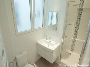 Paris 1 Bedroom accommodation - bathroom (PA-4163) photo 2 of 2
