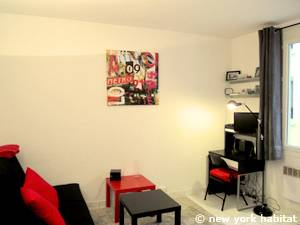 Paris Studio apartment - living room (PA-4170) photo 2 of 6