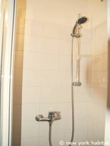 Paris Studio apartment - bathroom (PA-4170) photo 2 of 3