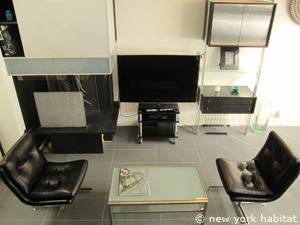 Paris 3 Bedroom - Triplex apartment - living room 2 (PA-4175) photo 5 of 6