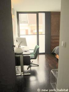 Paris 3 Bedroom - Triplex apartment - bedroom 3 (PA-4175) photo 3 of 6