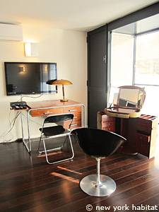 Paris 3 Bedroom - Triplex apartment - bedroom 1 (PA-4175) photo 3 of 6