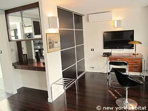 Paris 3 Bedroom - Triplex apartment - bedroom 1 (PA-4175) photo 5 of 6