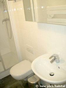 Paris Alcove Studio apartment - bathroom (PA-4180) photo 2 of 3