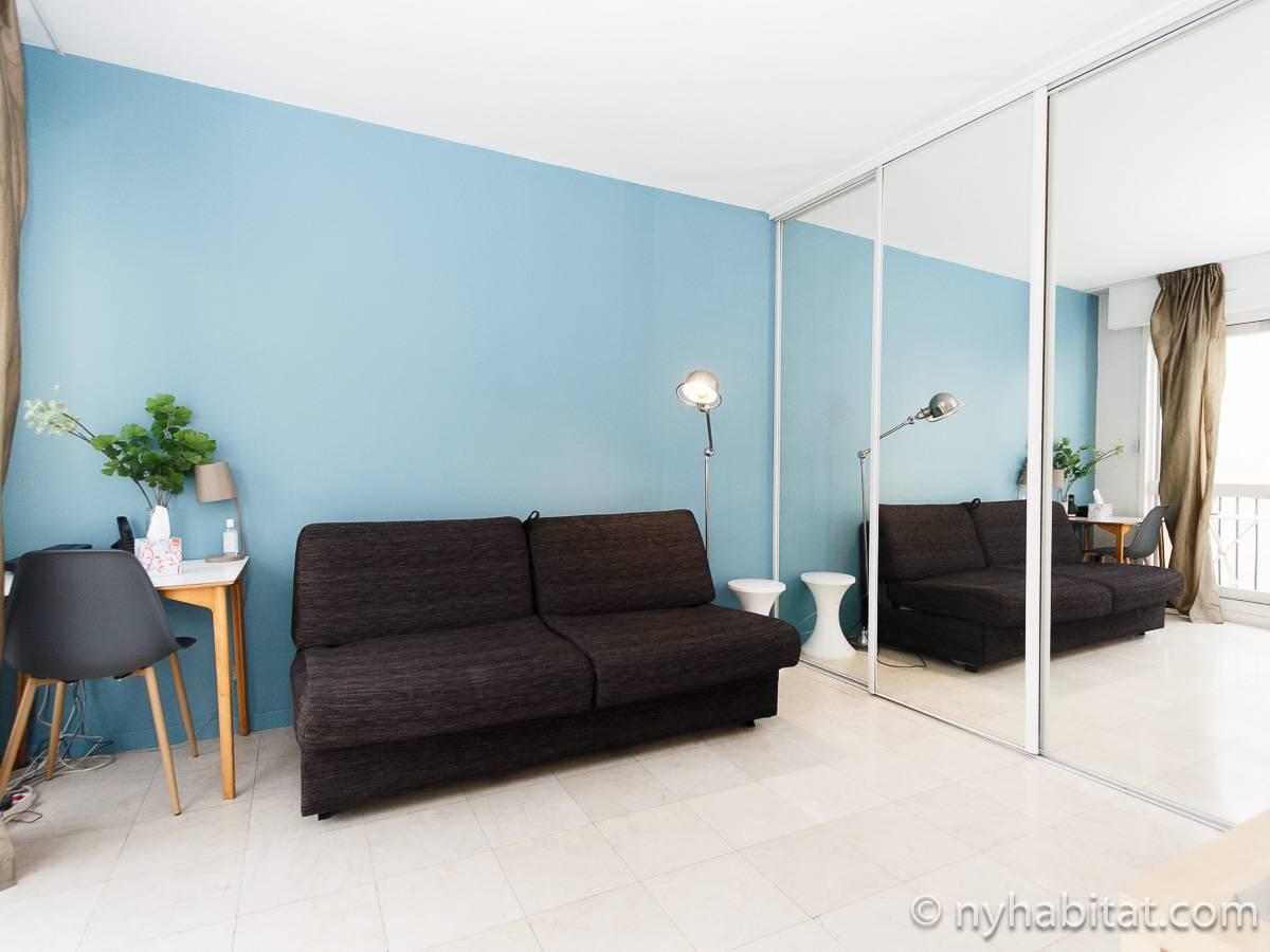 logement paris location meubl e studio t1 bastille pa 4201. Black Bedroom Furniture Sets. Home Design Ideas