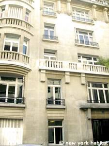 appartement paris location de vacances t5 parc monceau champs lys es gare saint lazare. Black Bedroom Furniture Sets. Home Design Ideas